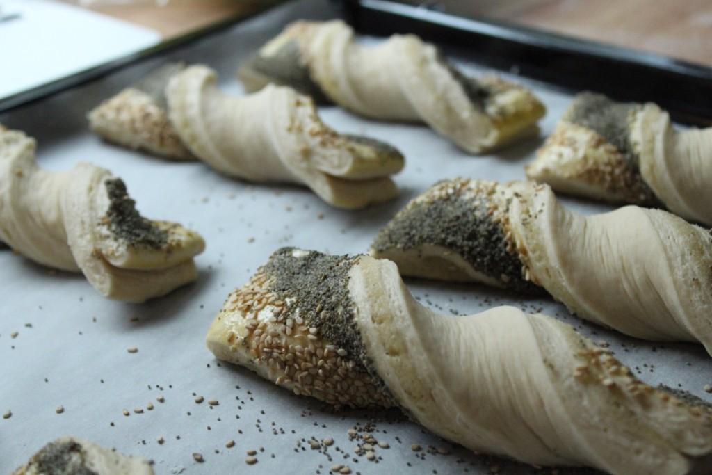 Fold frøsnappere inden bagning. Bysachse.dk