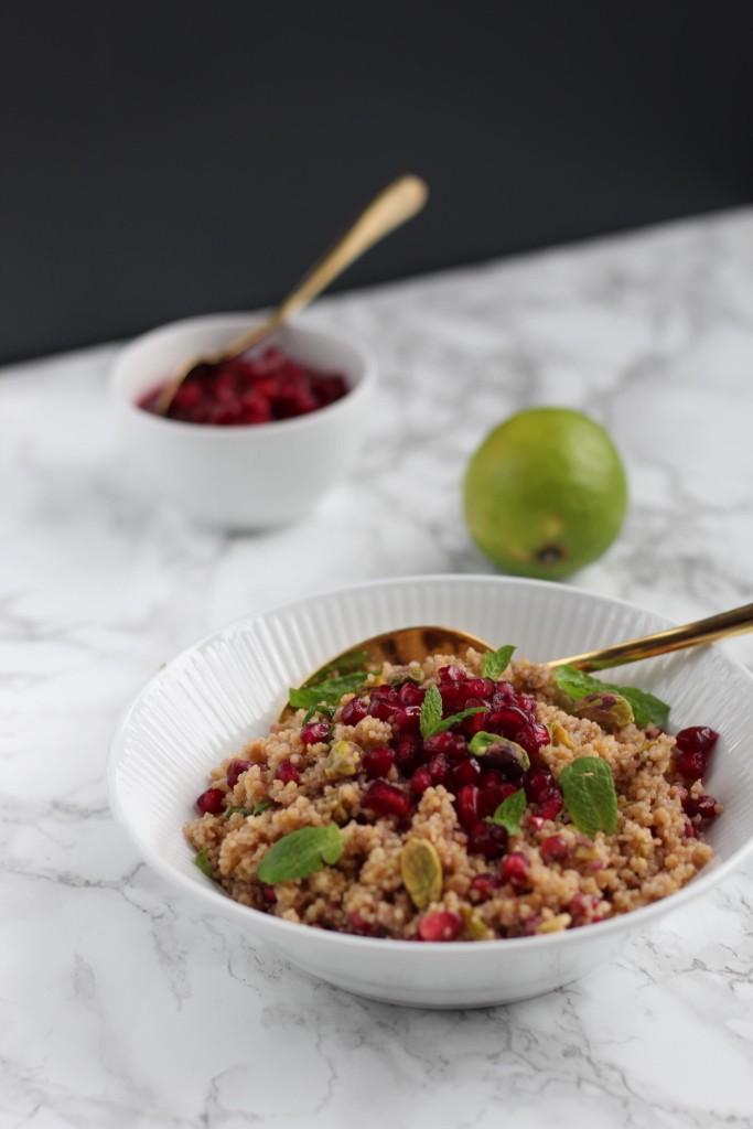 Couscous salat med granatæble og pistacia. Bysachse.dk